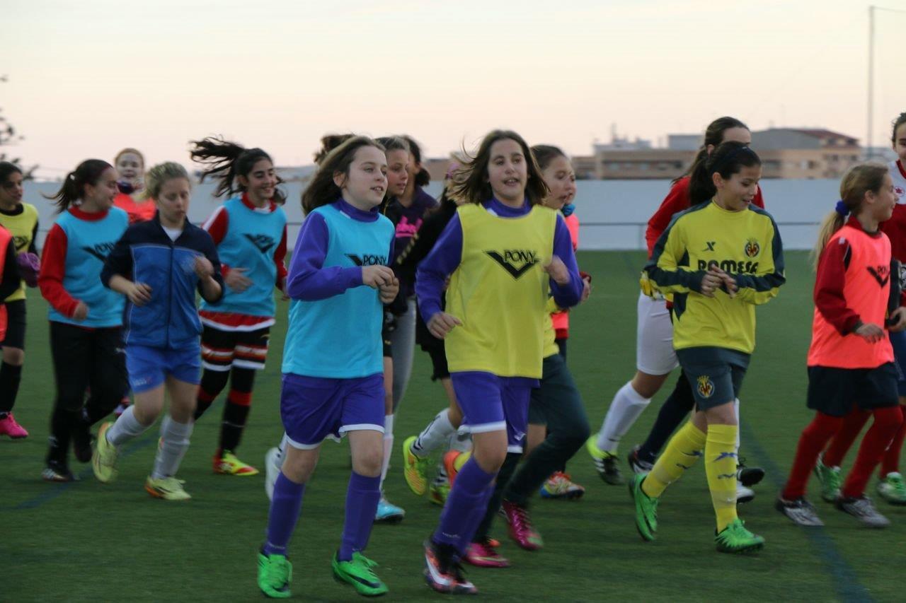 Cd onda escuela de futbol elena y lucia en el for Federacion valenciana de futbol