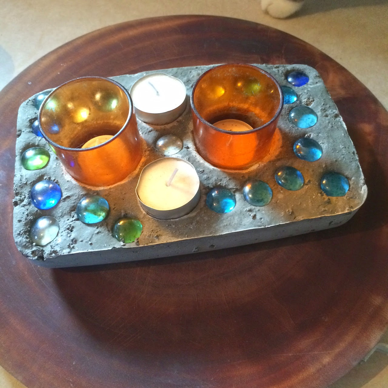 Make your own concrete candle holder