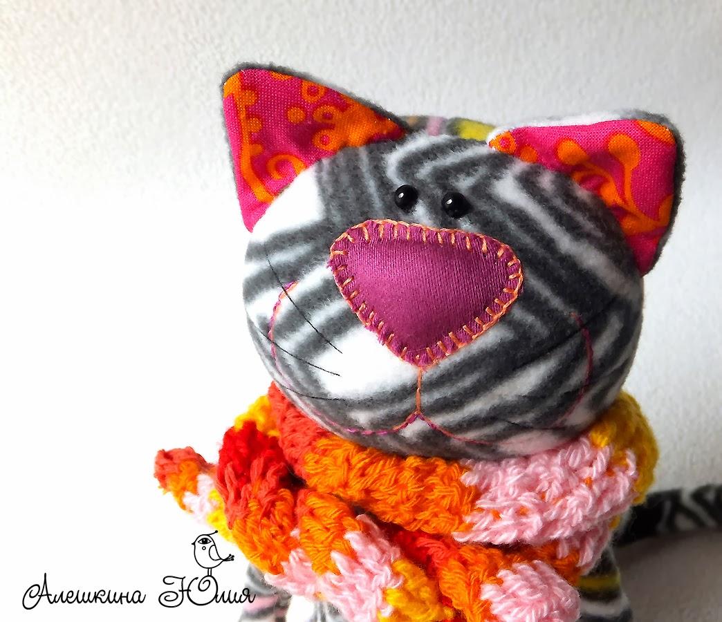 кот игрушка из флиса