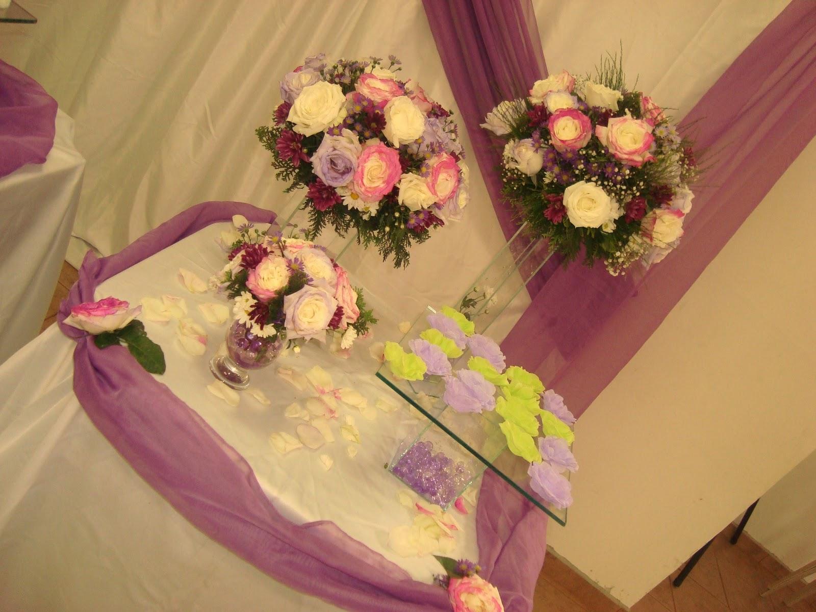 decoracao branco e lilas para casamento:Dani quer casar na igreja: Ideias de decoração com tnt: