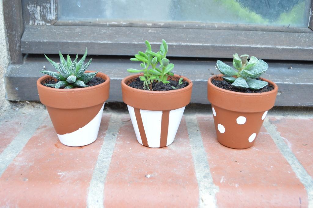 Pin macetas terracota pintadas decoradas flores tela - Como decorar macetas de barro ...