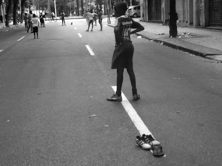 CA _ c _ bola na rua Cruz Vermelha _ RJ / BRASIL