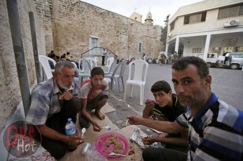 Warga Muslim Gaza mengungsi di Gereja Ortodoks Yunani 1