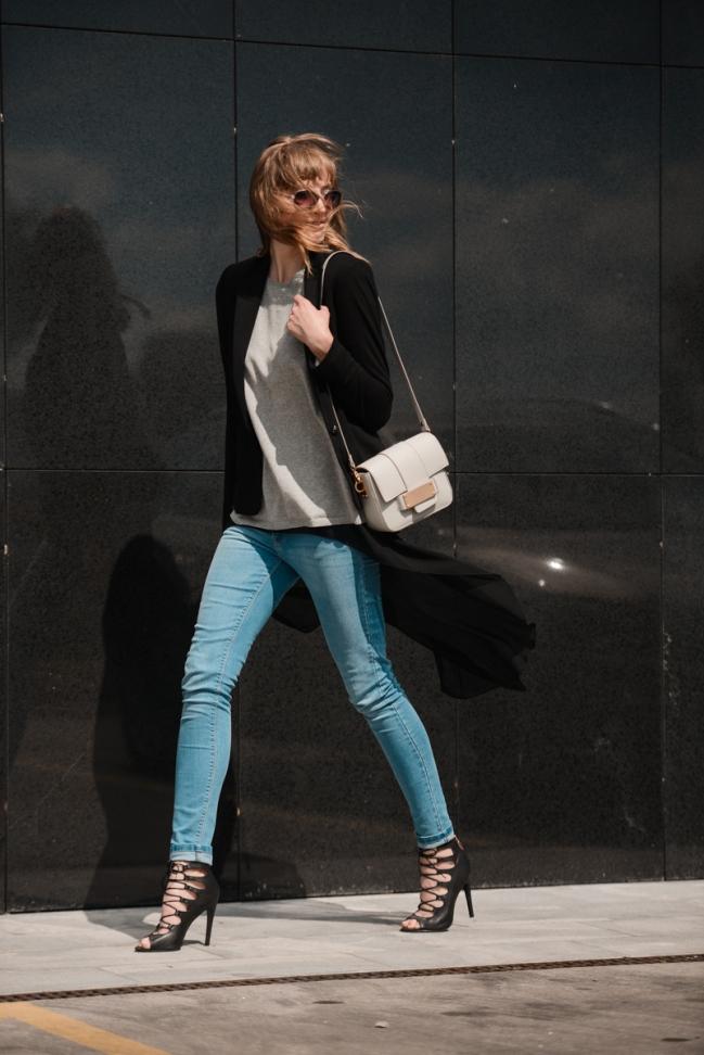 light jeans, lace up heels, chiffon shirt asymmetric black, black blazer, layering outfit, blogger