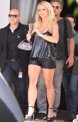 Britney Spears deslumbra con sexys atuendos