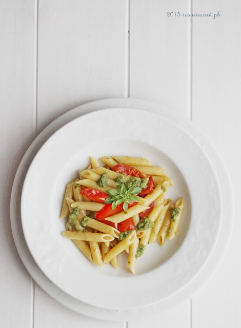pasta al pomodoro e salsa al doppio basilico