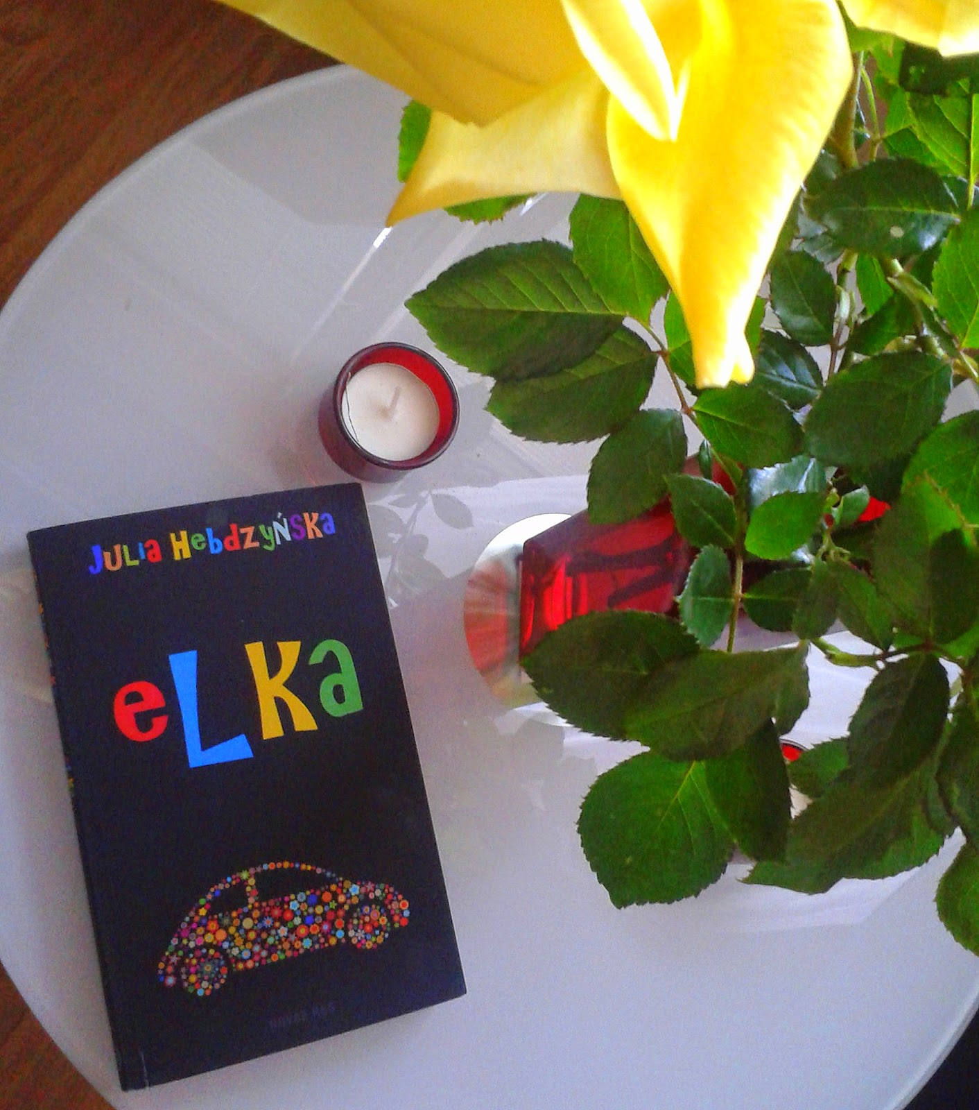 http://mirabelkowabiblioteczka.blogspot.com/2014/10/elka-julia-hebdzynska.html