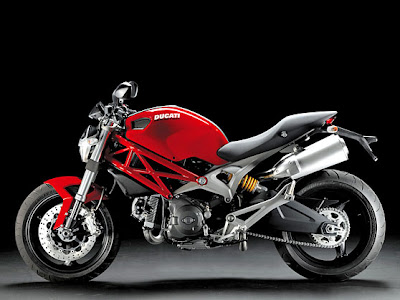 Ducati Monster 696 Pictures