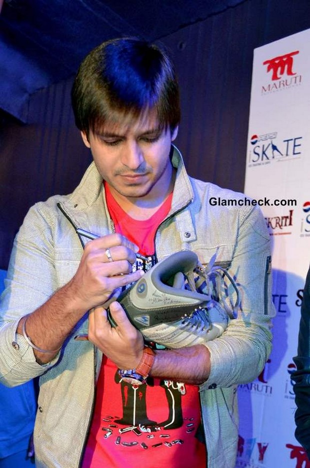 Vivek Oberoi Hairstyle In Grand Masti Celebrities And