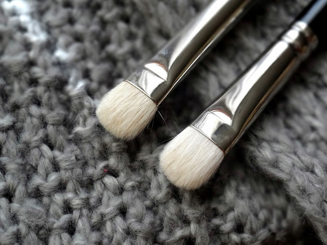 Hakuhodo J004G Round & Flat Eyeshadow Brush vs MAC 239
