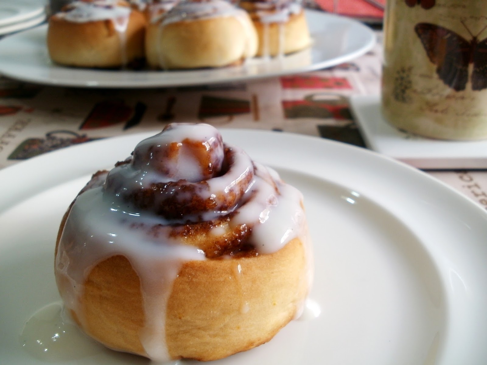 los antojos de clara rollos de canela o cinnamon rolls. Black Bedroom Furniture Sets. Home Design Ideas