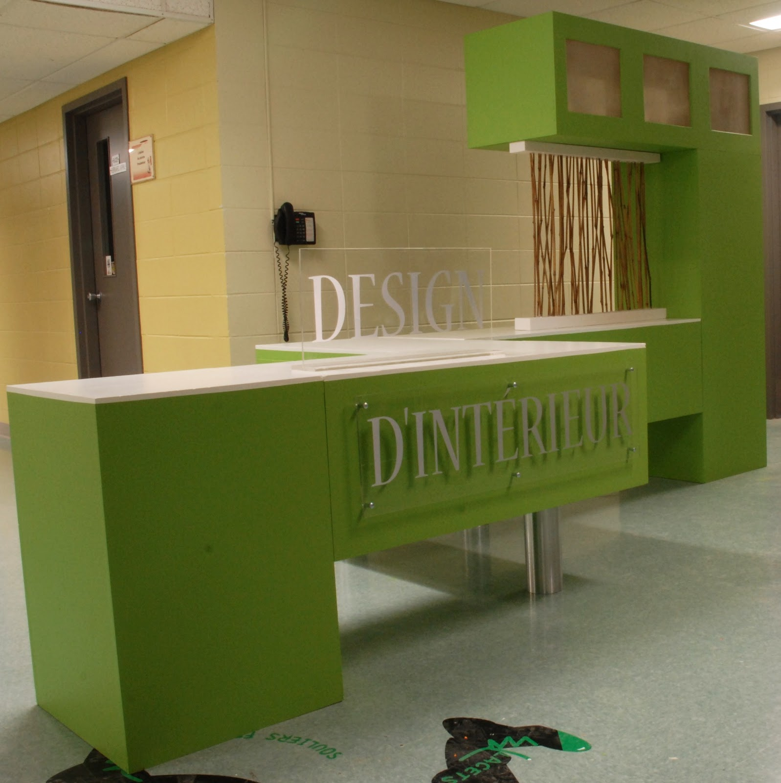 Kiosque d 39 information design int rieur vickie lebrun for Design d interieur cegep garneau