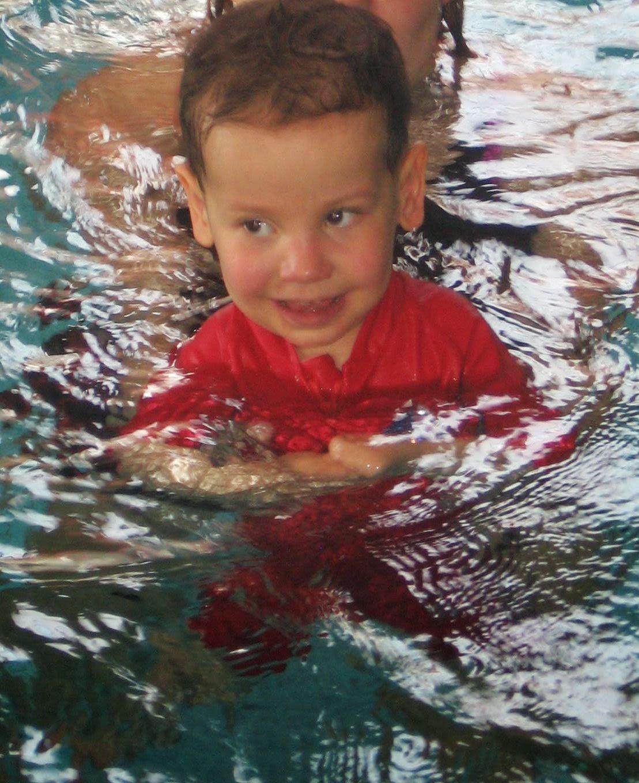 Błażej i debiut na basenie