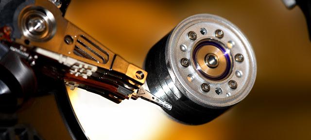 particolare testina hard disk
