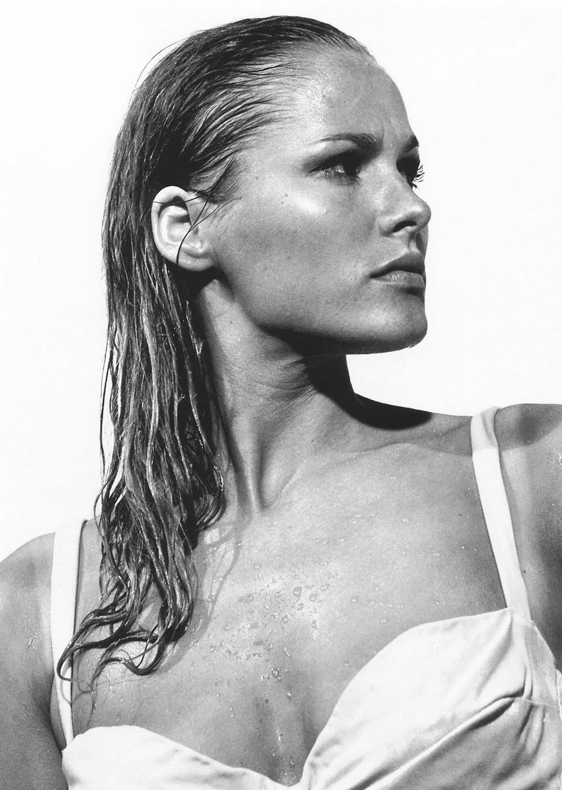 ursula andress the sensuous nurse downloads