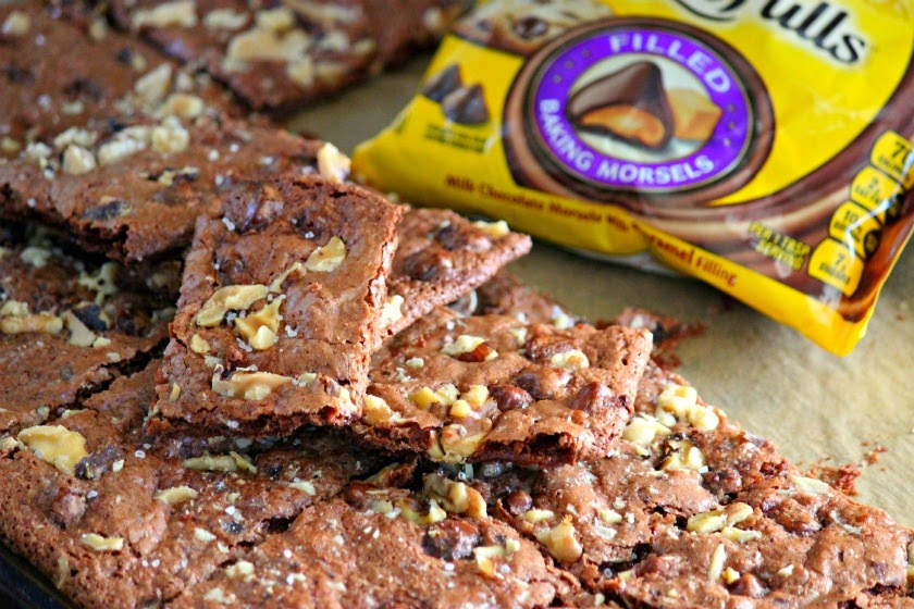 Comfy Cuisine: Salted Caramel Brownie Brittle with Nestle Toll House ...