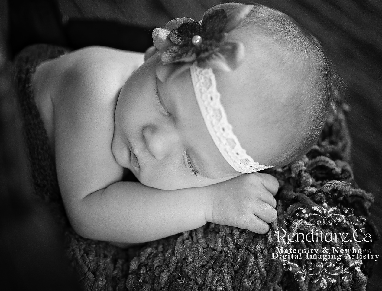 maternity, newborn, baby, family, photographer, saskatoon, renditure, photography