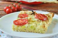 Tarta de puerros y tomates con base de pan