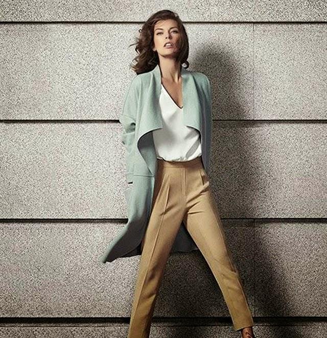 moda otoño invierno corte inglés Milla Jovovich abrigo mint