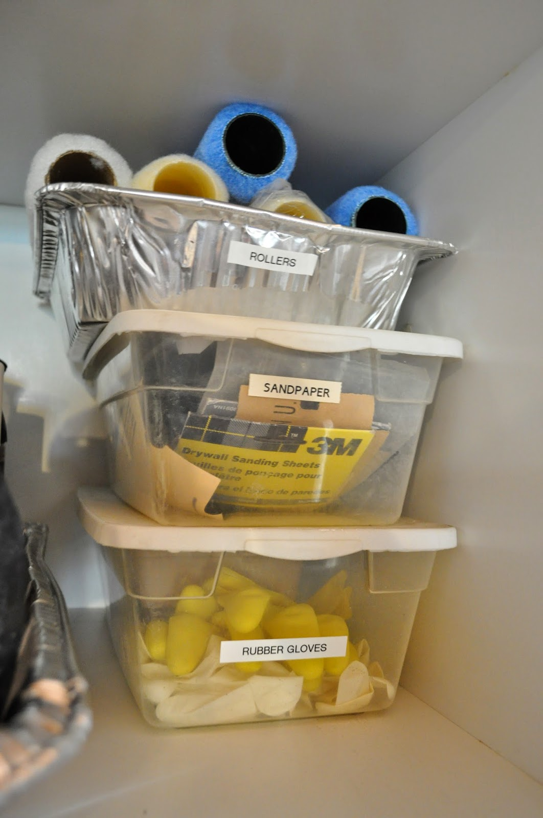 25 of My Best Organizing Hack: Aluminimum container to organize paint supplies:: OrganizingMadeFun.com