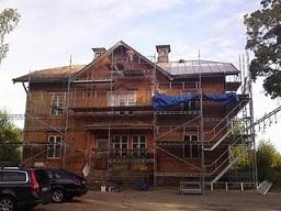 Renskrapad fasad