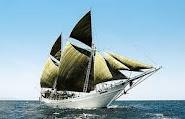 Perahu pinisi' bugis