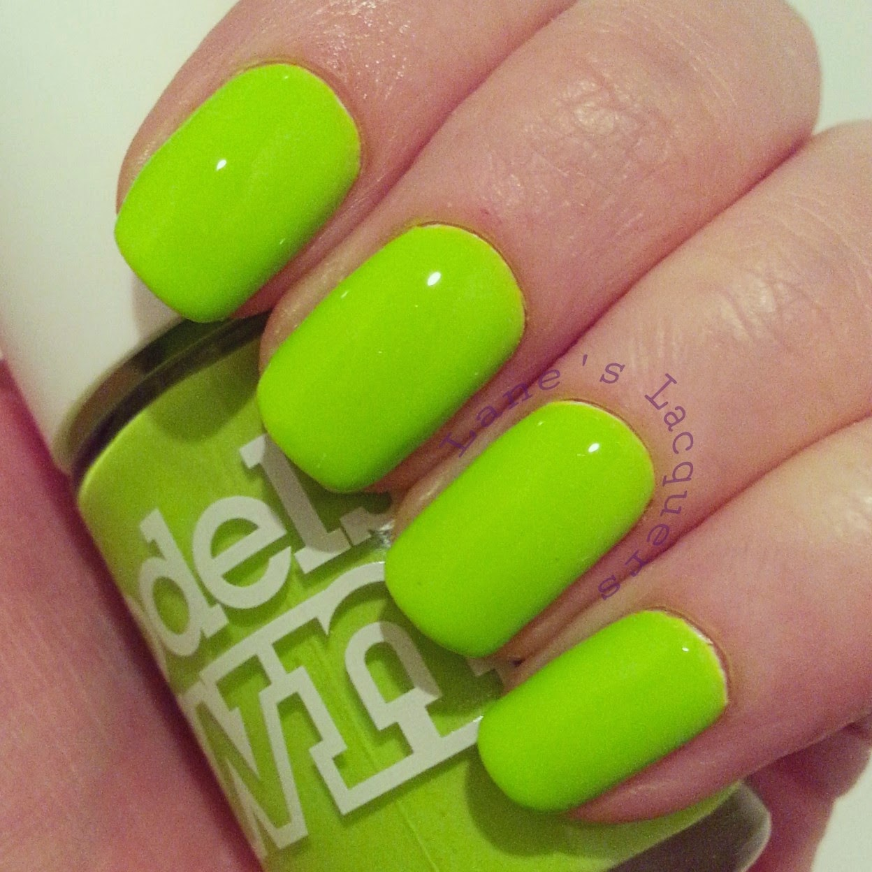 models-own-polish-for-tans-flip-flop-swatch-nails