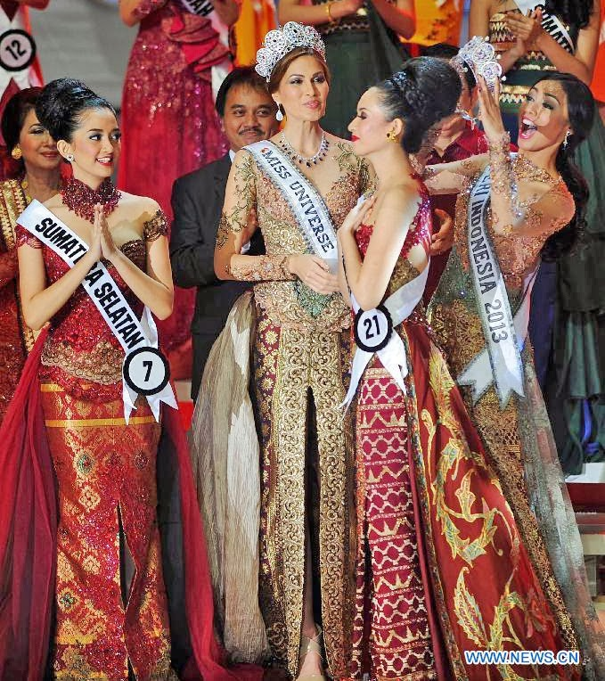 Miss Puteri Indonesial 2014 winner Elvira Devinamira
