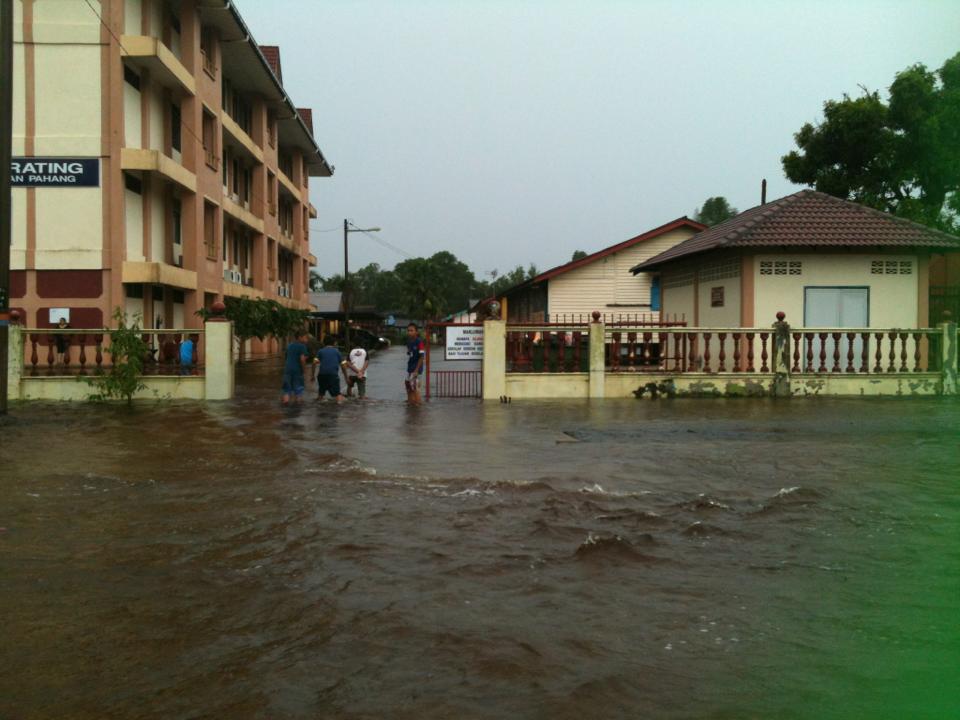 Gambar terkini banjir teruk di Kuantan (25 Disember 2012)