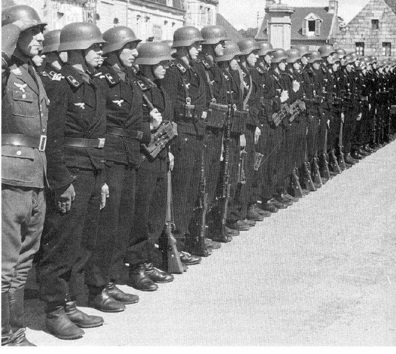 Nazi jerman foto fallschirm panzer division 1 hermann for Div p