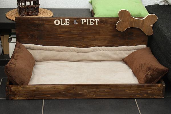 ole und piet entdecken die welt februar 2011. Black Bedroom Furniture Sets. Home Design Ideas