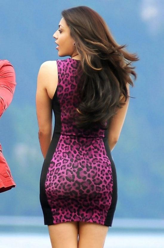 Kajal Agarwal Hot Back Show In Nayak Return of Back ...