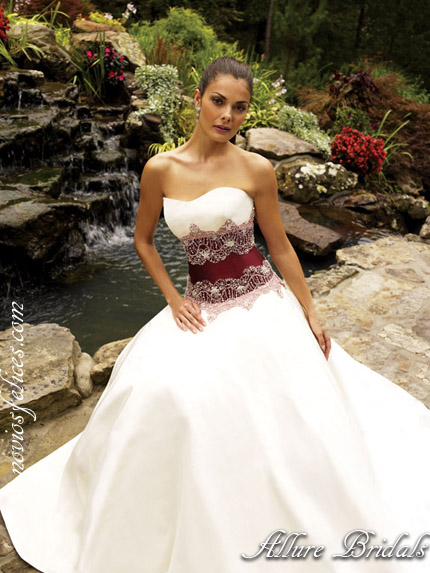 [Imagen: vestidos-novia-2012-allure-bridals-7%252520copia.jpg]