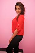 Madhu shalini latest glam pics-thumbnail-6