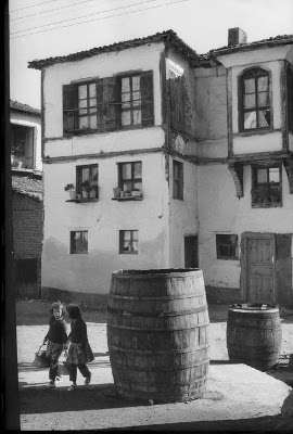 http://undr.tumblr.com/post/71291687196/henri-cartier-bresson-turkey-bursa-province