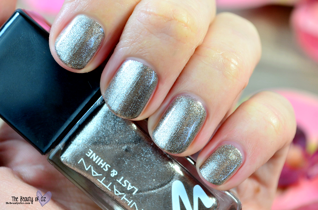 Manhattan Last And Shine Swatches HEART OF STONE