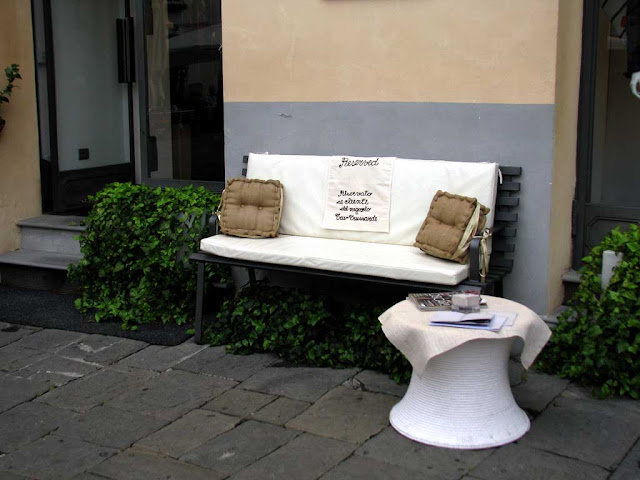 Bench reserved for customers, piazza Anfiteatro, Lucca