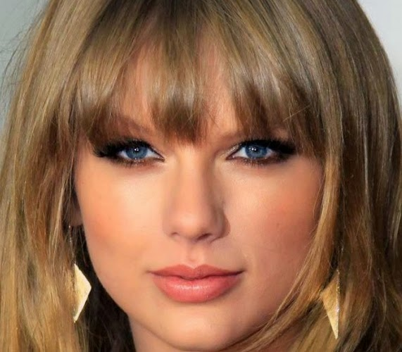 Taylor Swift Valentine Day makeup