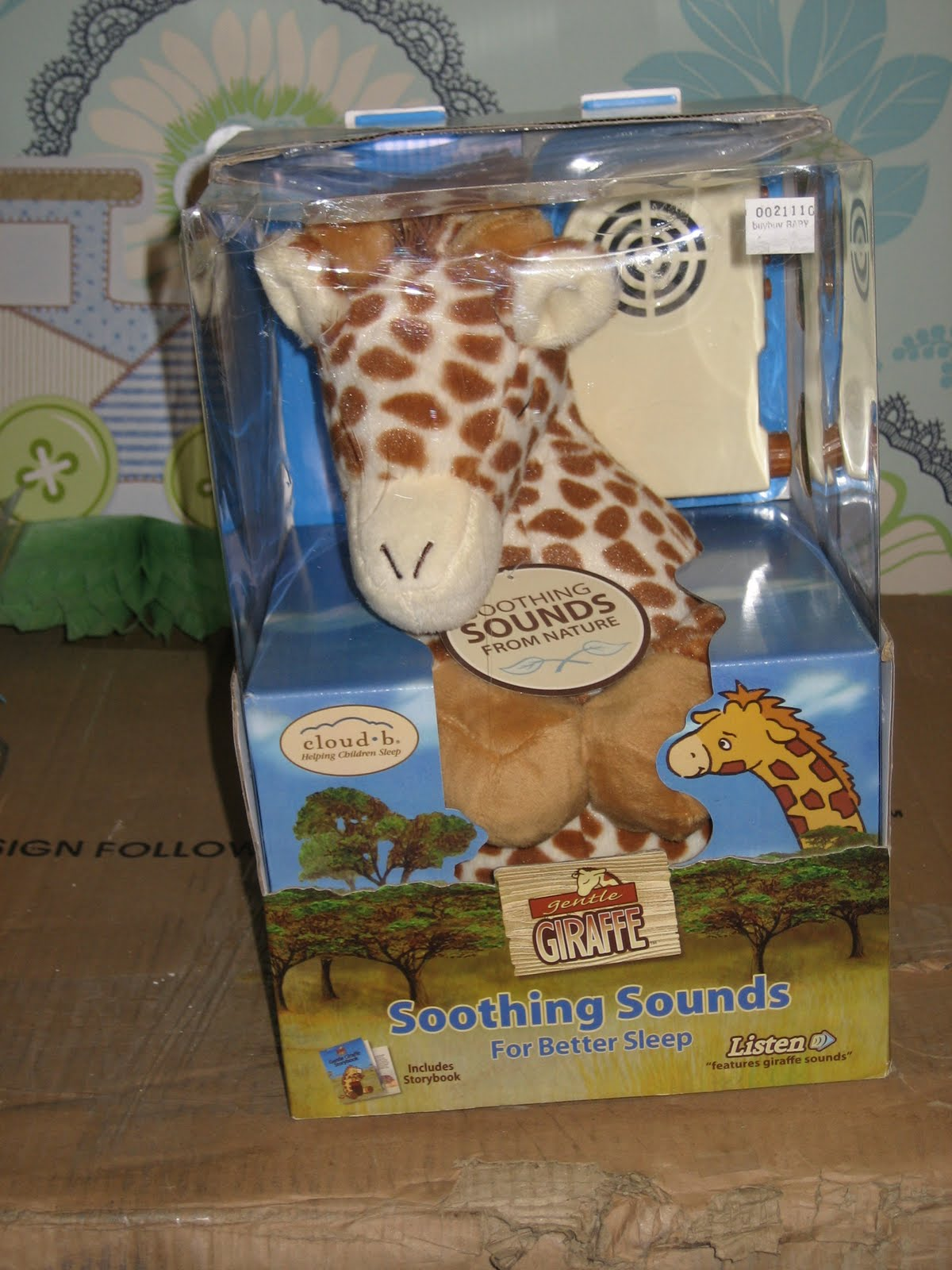 This giraffe sound machine is so adorable that I want to punch it in  #66472C