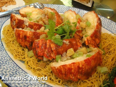 Sauteed Flat Lobster with Noodles at Gloriamaris