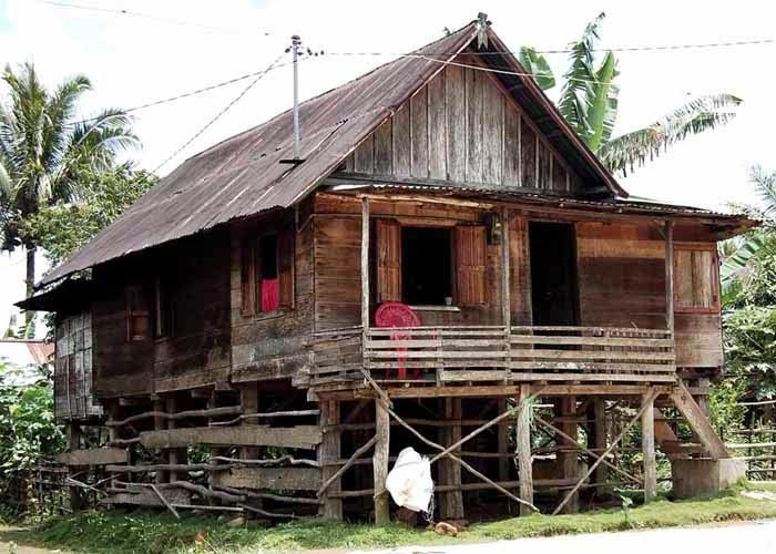 rumah panggung sederhana