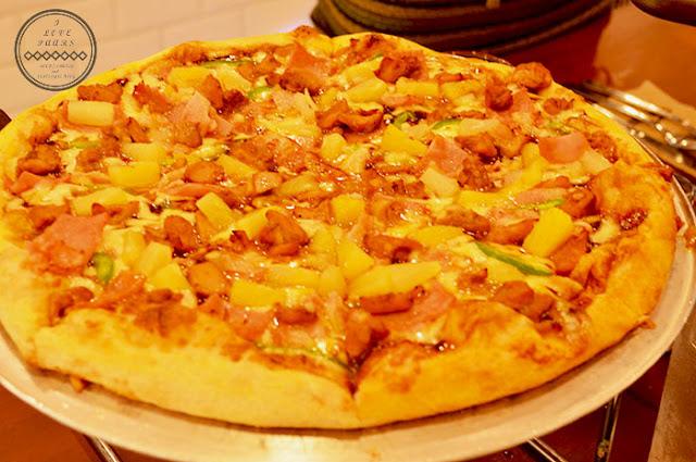 chicken aloha pizza
