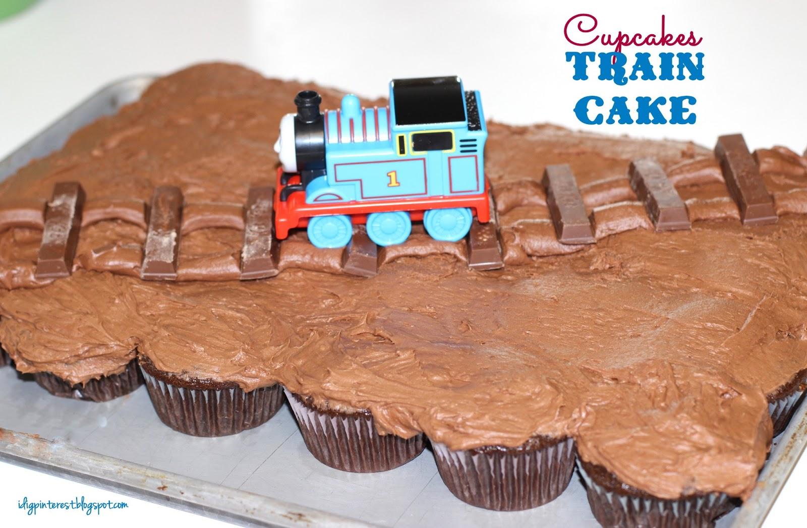 Thomas the train birthday cake kit