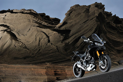2011 Ducati Multistrada 1200S Sport Photos