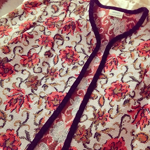 vintage 50s tapestry jacket at the cutandchicvintage shop