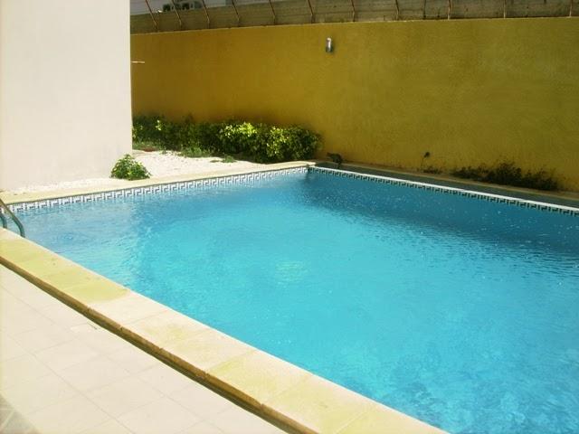 Immeuble vendre aux almadies avec piscine et salle de for Salle de sport avec piscine