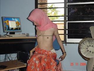 Malay Women   MILF tudung kebaya melayu bogel.com