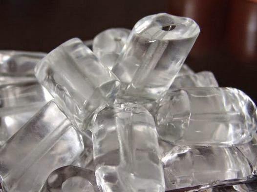 Mandi Air Es Bermanfaat Untuk Kesehatan Anda