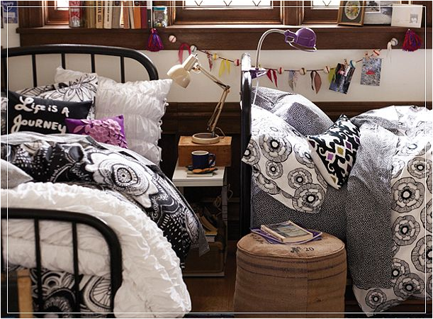 Decorating Ideas > Stylish Dorm Rooms Ideas For Girls ~ Room Design Ideas ~ 014217_Dorm Room Ideas Black And White