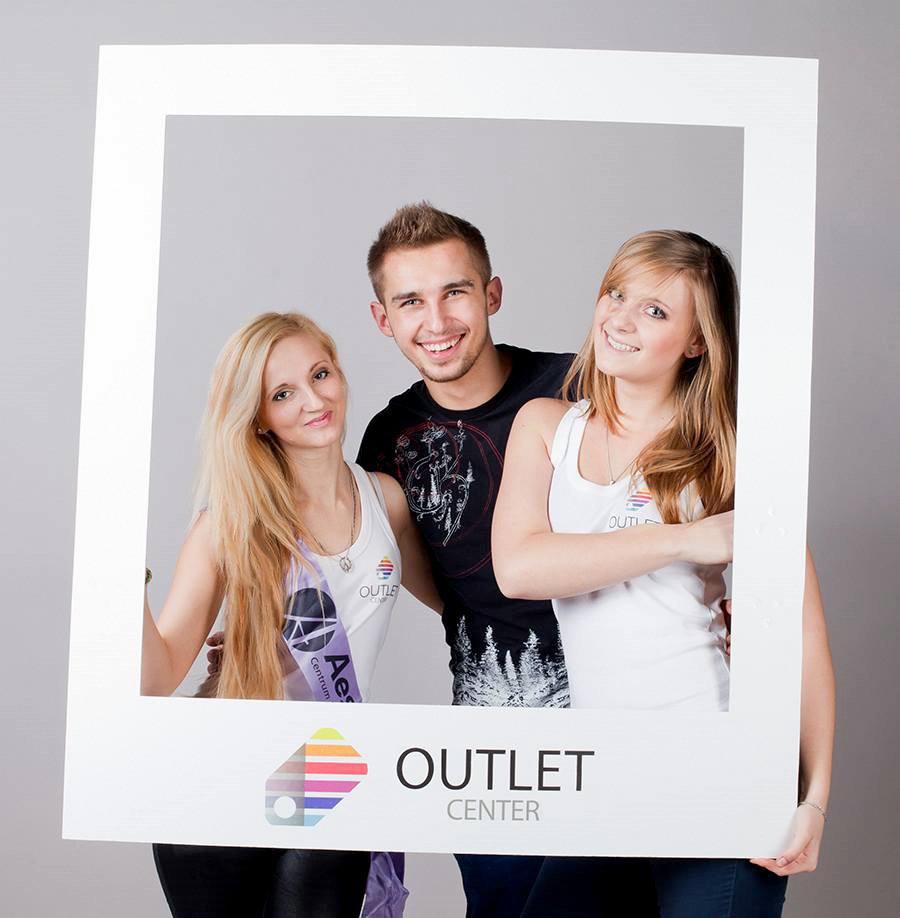 hostessy, hostessa, Katarzyna Jankowska, DJ DZyro, otwarcie sklepów w Outlet Center , Markiewicz Studio